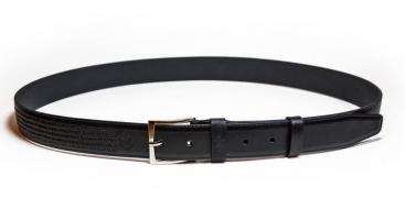 01011 Пояс ремень мужской кожаный, однослойный, тиснение строчки, прошитый. Ширина 35 мм (арт.МП10) черный